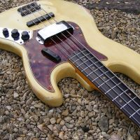 1964 Fender Jazz bass guitar, refurb, body refinish aged nitro © 2020 Guitar Angel