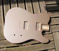 shoreline gold metallic nitrocellulose © 2020 Guitar Angel