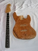Custom Jazz body and neck, natural nitrocelluse finish © 2017 Guitar Angel