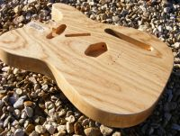 Clear nitrocellulose lacquer on swamp ash © 2018 Guitar Angel